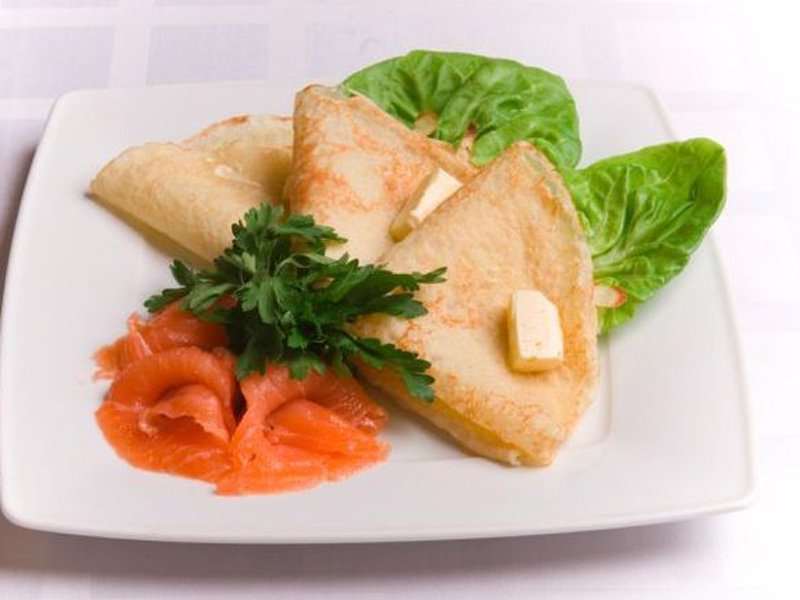 mini crepas de salmon